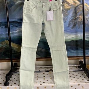 Nwt Almost famous light blue jeans size 7